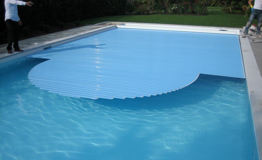 Piscine riscaldate per allungare la stagione balneare.