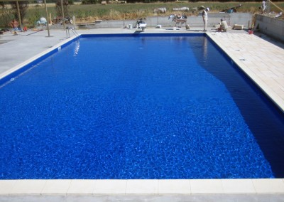 Acquafertpool Piscina privata acqua blu tecnici al lavoro