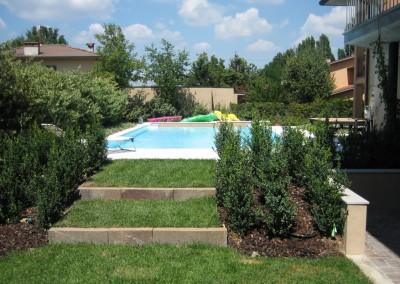 Acquafertpool Piscina residenziale a Cremona con giardino e giochi acqua (1)