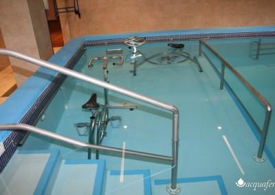 Acquafertpool vasca fisioterapica balaustre di protezione su dislivelli fondo